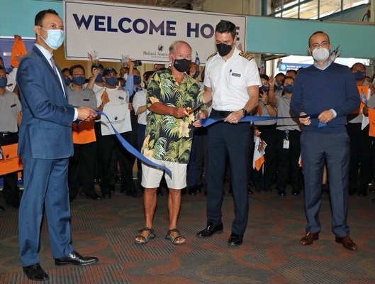 Koningsdam return to service ribbon-cutting ceremony Oct. 10, 2021 in San Diego (left to right): San Diego Port Commissioner Rafael Castellanos; first guest Koningsdam guest Jeff Farschman; Koningsdam Captain Steve MacBeath; and Gus Antorcha, president of Holland America Line.